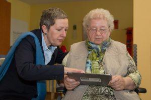Jutta Croll leitet die Senioren an