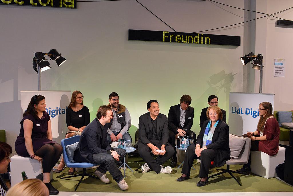 Sabine Leutheusser-Schnarrenberger (re.), Simon Schaefer (li.) und Cherno Jobatey beim UdL Digital Talk