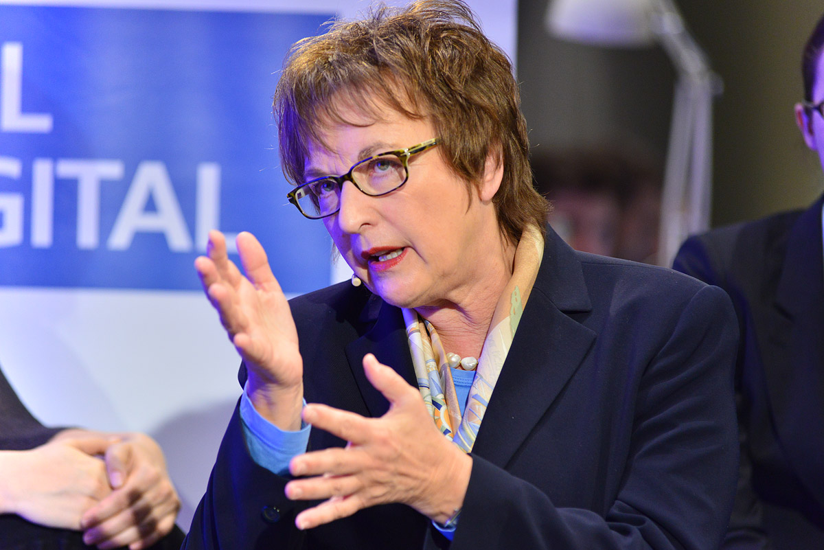 Brigitte Zypries zur Digitalisierung der Wirtschaft und Industrie 4.0 auf UdL Digital