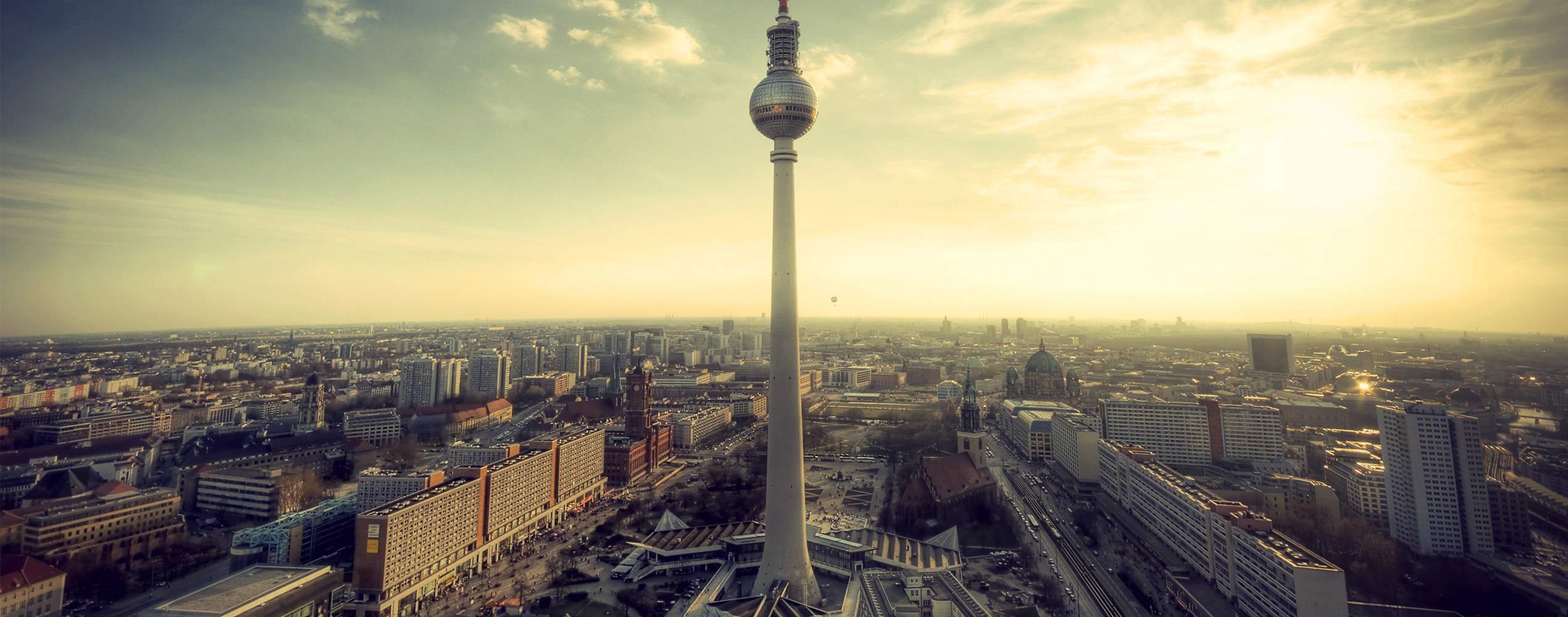 Skyline Berlin shutterstock