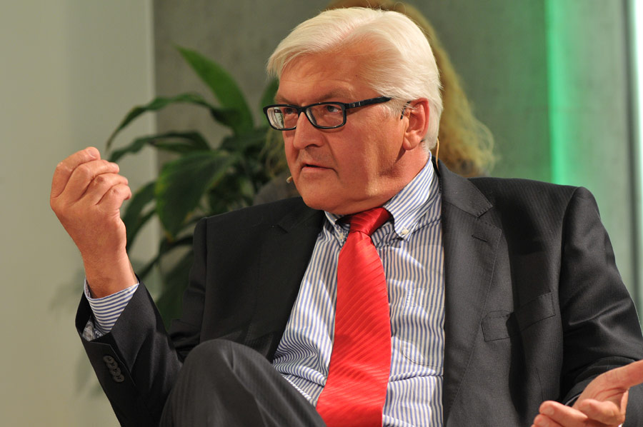 UdL Digital Talk mit Frank-Walter Steinmeier und Cherno Jobatey.