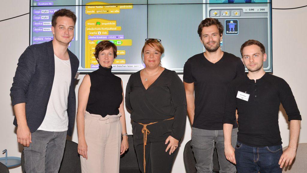 von links: Moderator Felix Seibert-Daiker (Kika), Bettina Bundszus-Cecere, Valentina Daiber, Tilo Jung, und Daniel Bayer