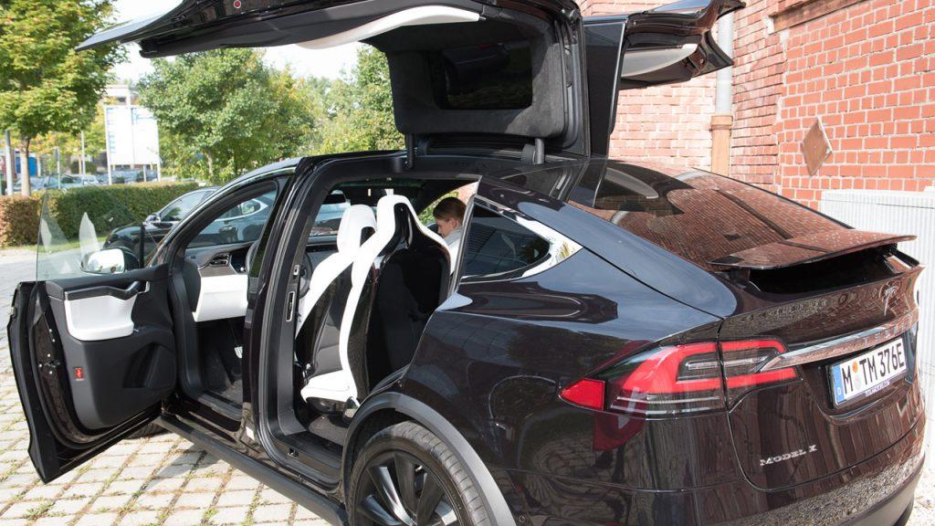 E-Flitzer mit 7 Sitzen: Tesla Model X