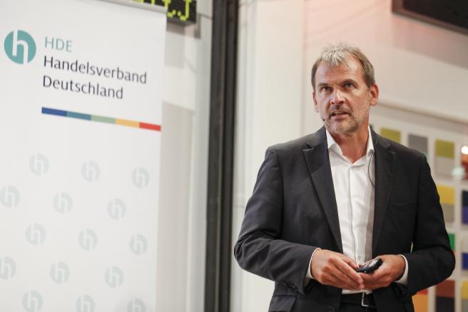 Stephan Tromp, stellvertretender Hauptgeschäftsführer des Handelsverbandes Deutschland beim Forum HANDEL 4.0 (Quelle: HDE)