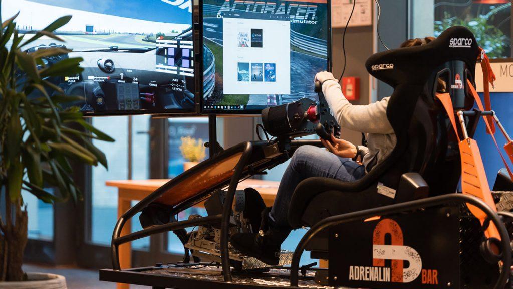 Full-Motion-Simulator des Startups Adrenalin-Bar