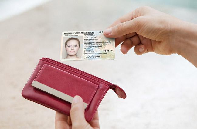 Gesetzentwurf_Online-Ausweisfunktion-649x426