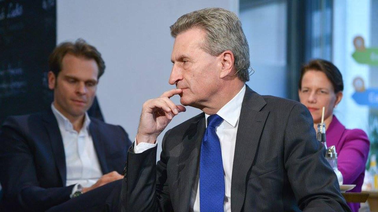 EU-Kommissar Oettinger beim UdL Digital Talk: Lieber Schlaglöcher als Funklöcher. Foto CC UdL Digital