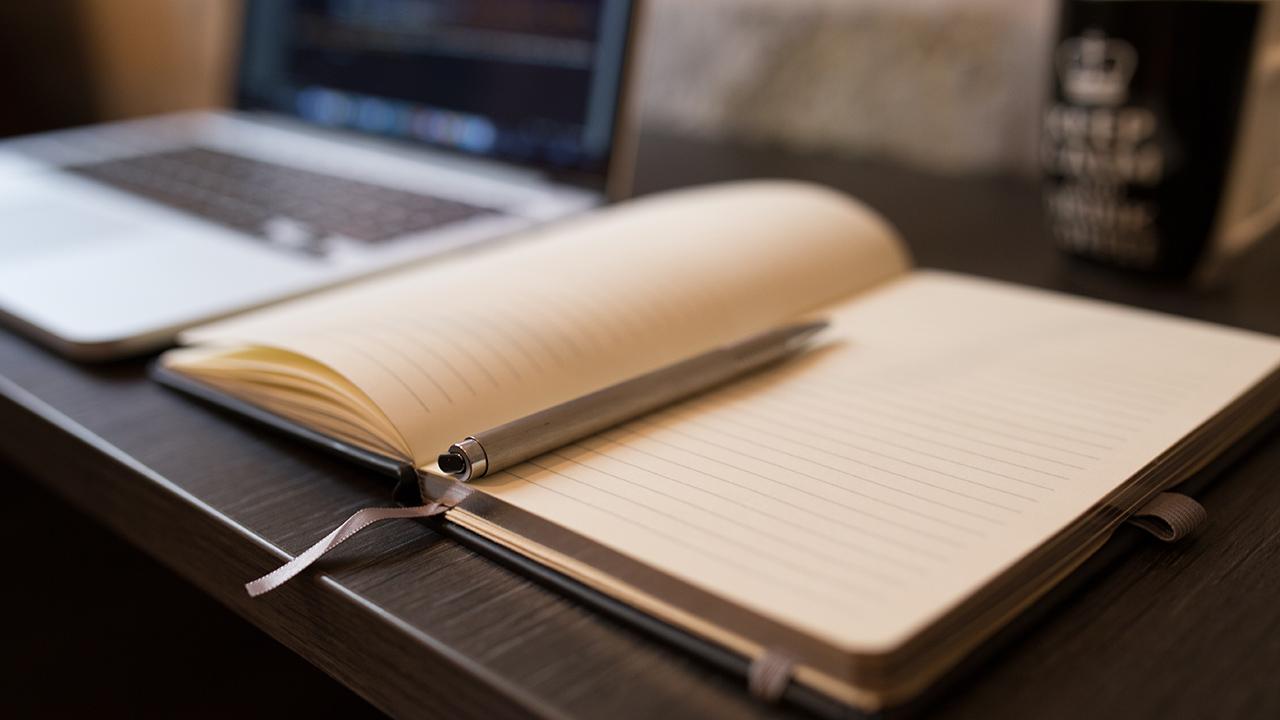 Unsplash Notizen Stift