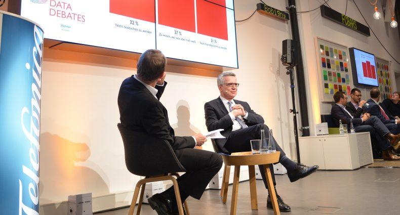 1. Data Debate - Freiheit und Privatsphäre - Dr.Thomas de Maizière und Stephan-Andreas Casdorf