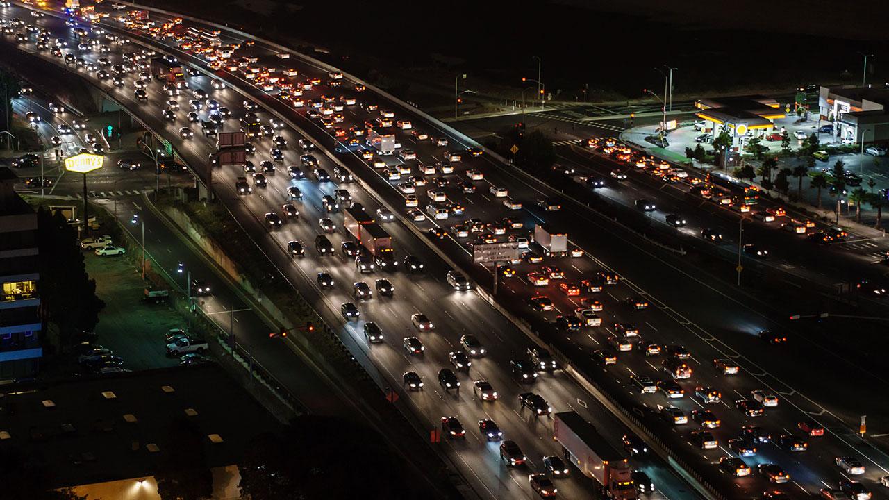 pixabay Stau Verkehr PKW LKW Autobahn Straße