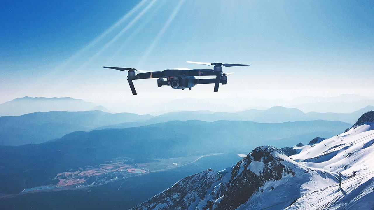 unsplash Drohne Berge Landschaft Schnee Himmel