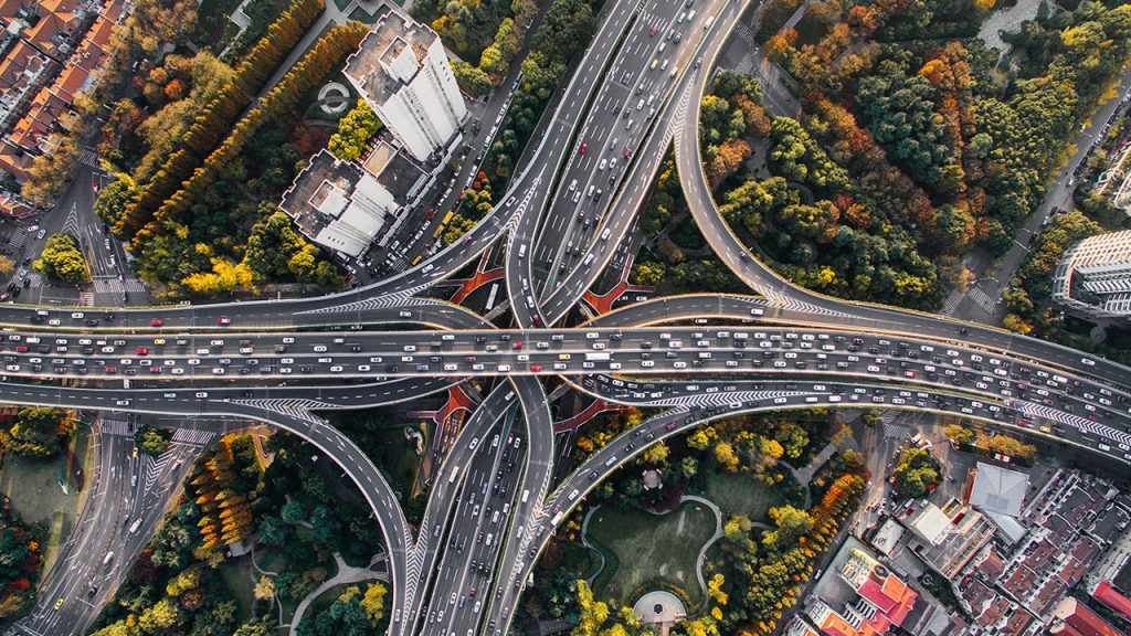 unsplash Strasse Kreuzung Autobahn Stau Verkehr Autos