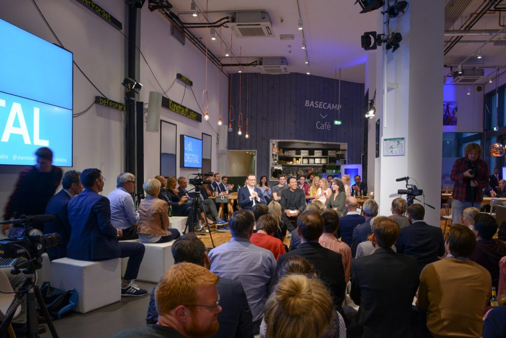 UdL Digital Talk - Cherno Jobatey mit Jens Spahn und Dr. Shermin Voshmgir