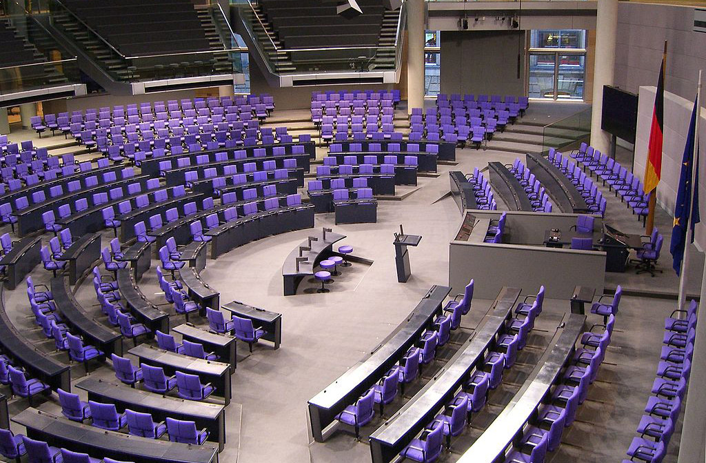 Parlament-1024x671