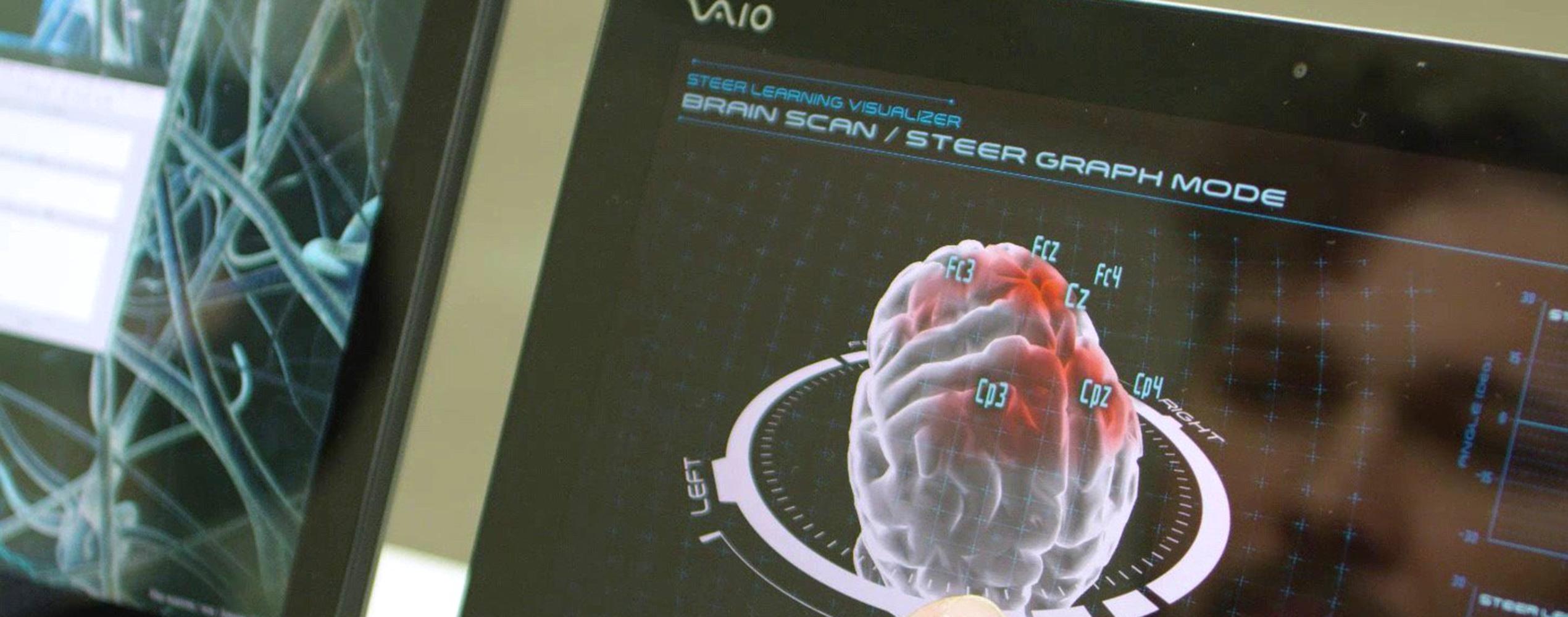 HEADER-Nissan-Pressefoto-426213425_Brain_to_Vehicle_Technologie-2540x1000
