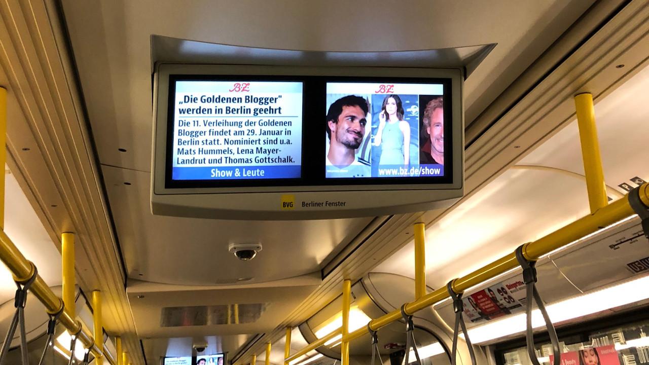 Die Goldenen Blogger im Berliner U-Bahn-TV.