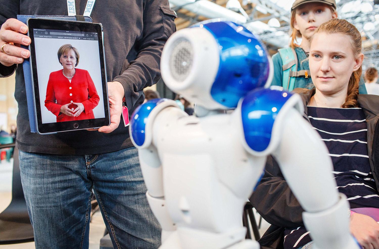 Robot-Merkel-1500x984