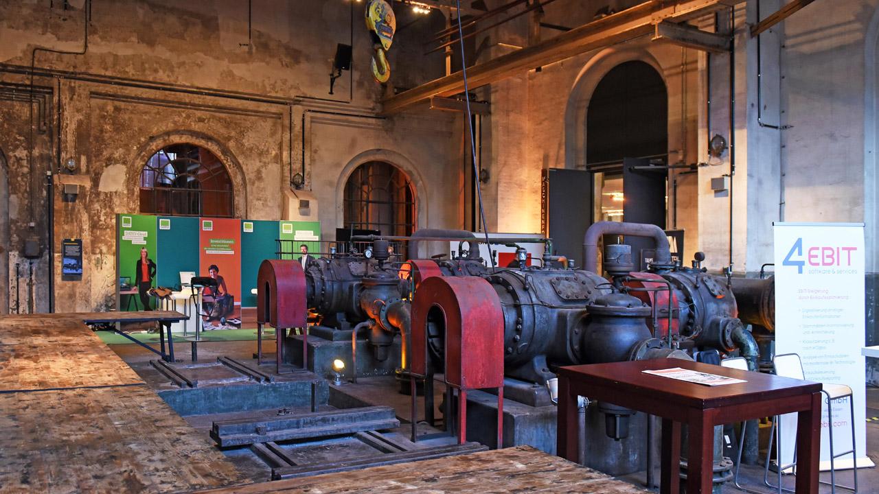 Handelsblatt-Industriegipfel in einem alten Stahlwerk. | Foto: Foto Vogt GmbH für Euroforum