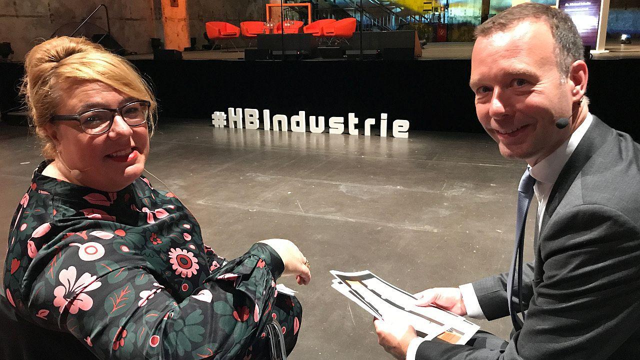 Vorstandsmitglied Valentina Daiber mit dem Handelsblatt-Chefredakteur Sven Afhüppe. | Foto: Telefónica Deutschland