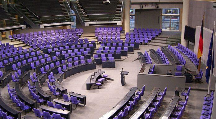 Parlament-1024x672