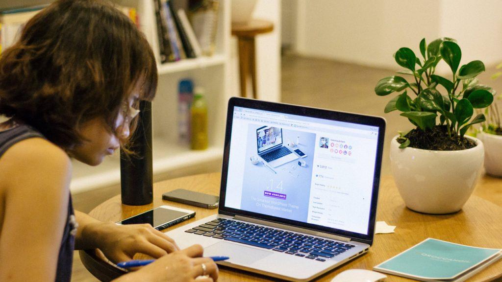 pixabay-Free-Photos-Homeoffice-Laptop-Schule-Buero-digital-1149087-1280x720