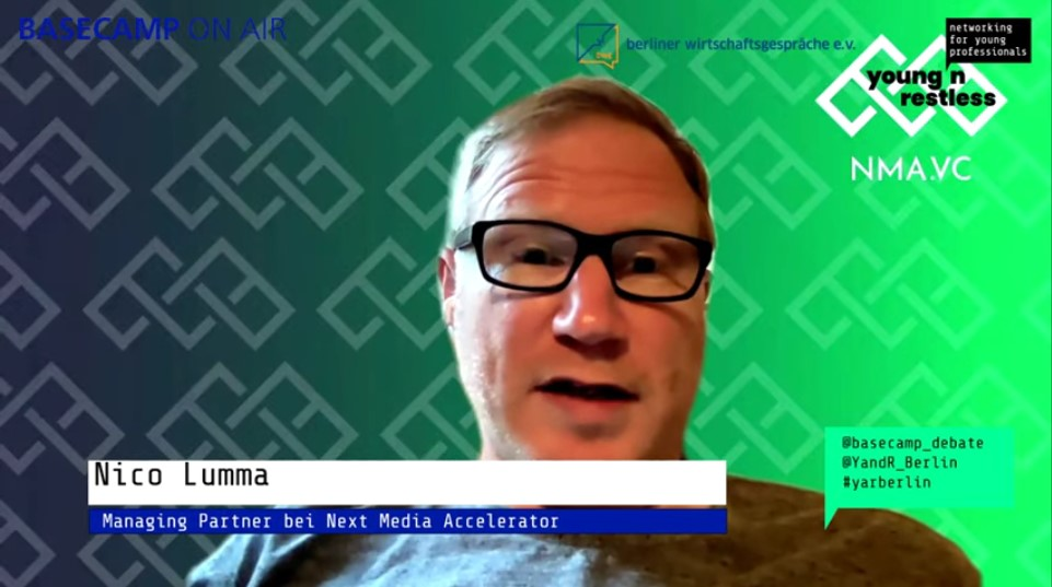 Screenshot der Veranstaltung: Nico Lumma, Managing Partner bei Next Media Accelerato